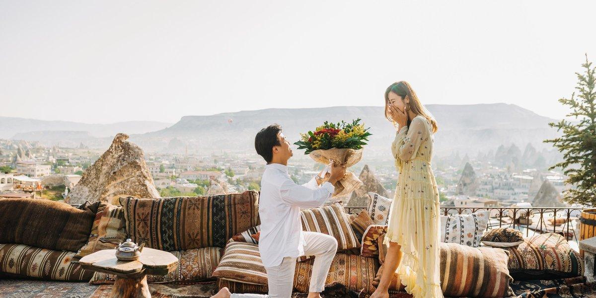 5 Unique Proposal Ideas for Our Lovebirds