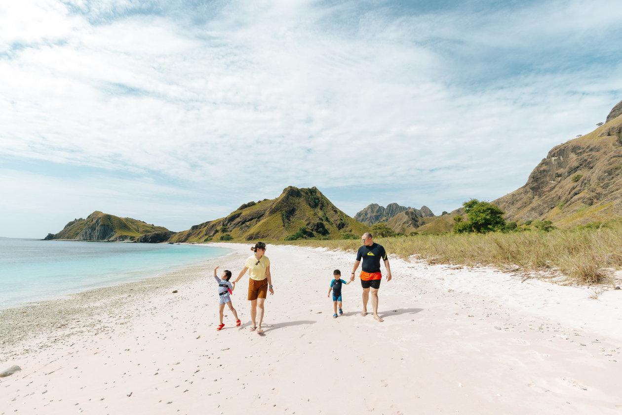 Sweetescape padar island photography c8cbf3fce00